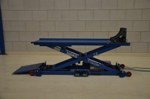 Table élévatrice pour scooters et motos TS-C300 jusqu'à 300 kg de charge utile